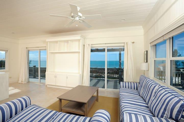 Bright Sunny Designer Cottage w/Sunset Ocean Views