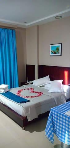 GOGO Palace Hotel