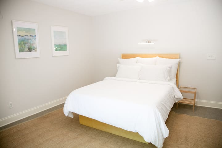 4 bedroom 2.5 bath house