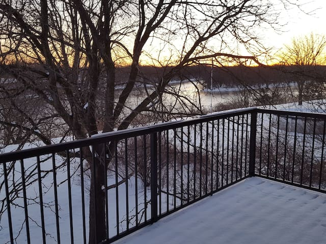 Elk River的民宿