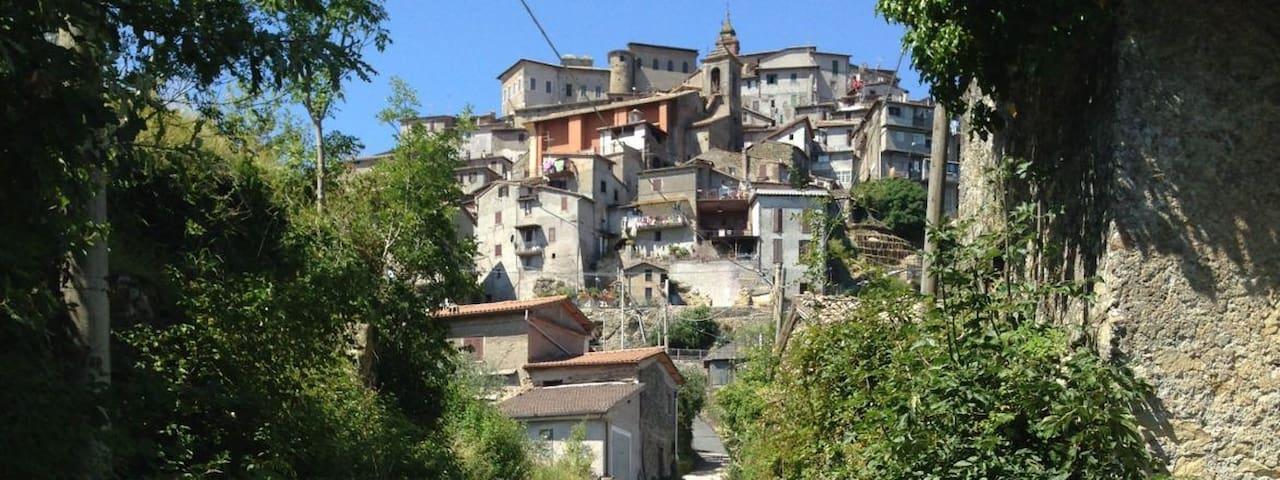 San Vito Romano的民宿