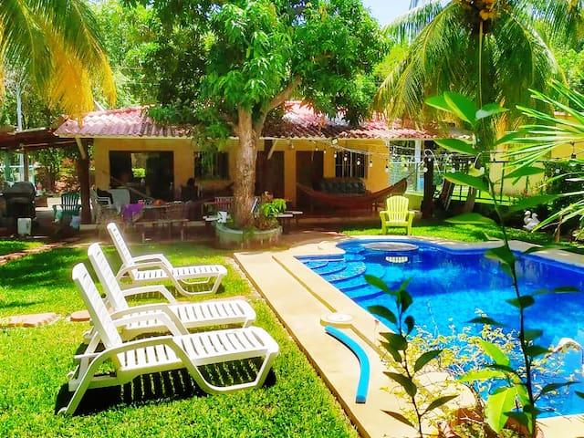 Playa San Blas的民宿