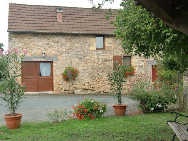 Saint-Cybranet的民宿