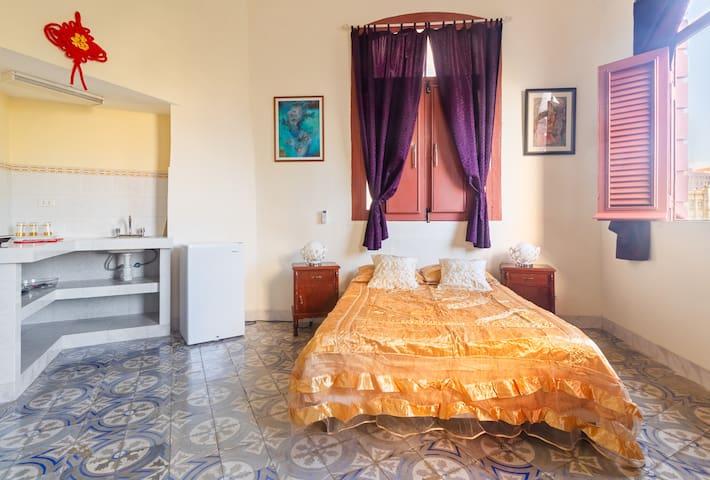 ✔ Old Havana - Cultura y Religión - Casa Oládélé