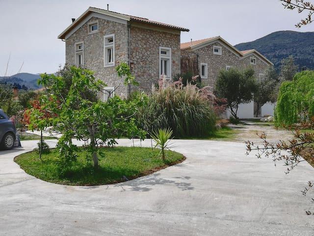 Kariotes的民宿