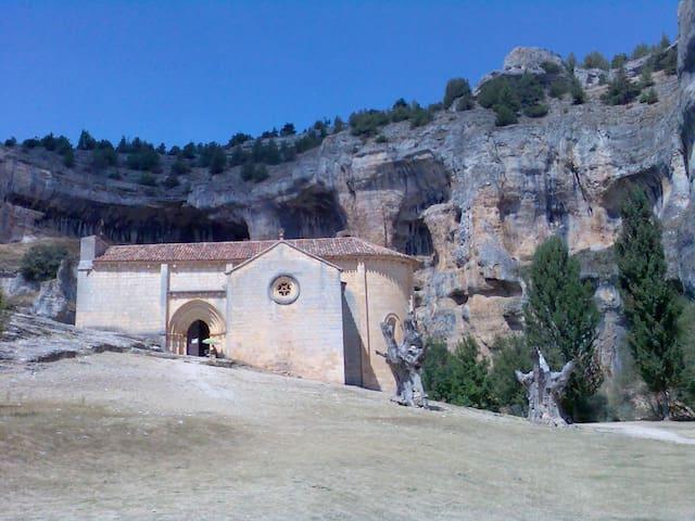 San Leonardo de Yagüe的民宿