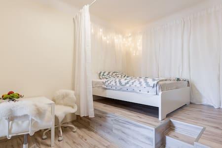 Sokolovska Autumn apartment