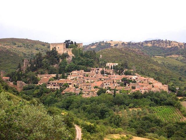 Castelnou的民宿