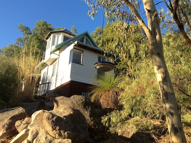 """The Perth Hills """"Tiny House"""""""