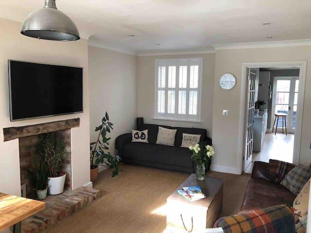 Comfortable Double Room in Leckhampton Cheltenham