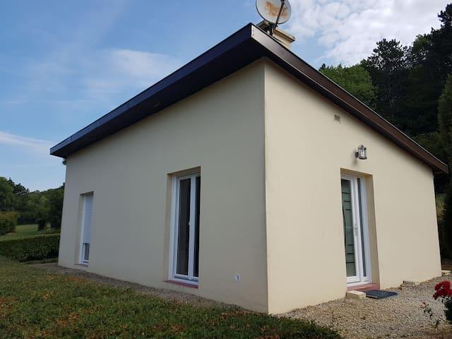 Perrancey-les-Vieux-Moulins的民宿