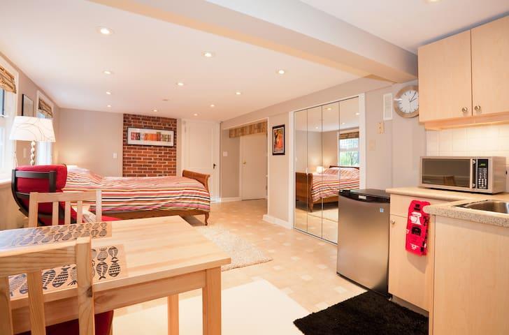 Cook St Village Suite