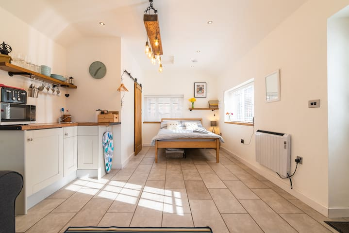 Comfy self-contained annexe in heart of Cheshire