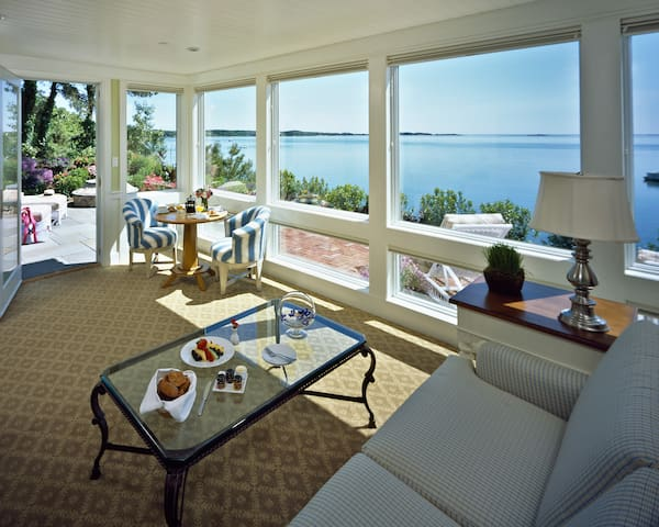 Wequassett Resort & Golf Club, Signature Jr. Suite