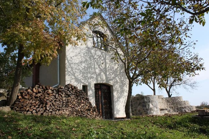 Gyulakeszi的民宿