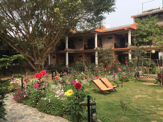 Ratnanagar 的民宿
