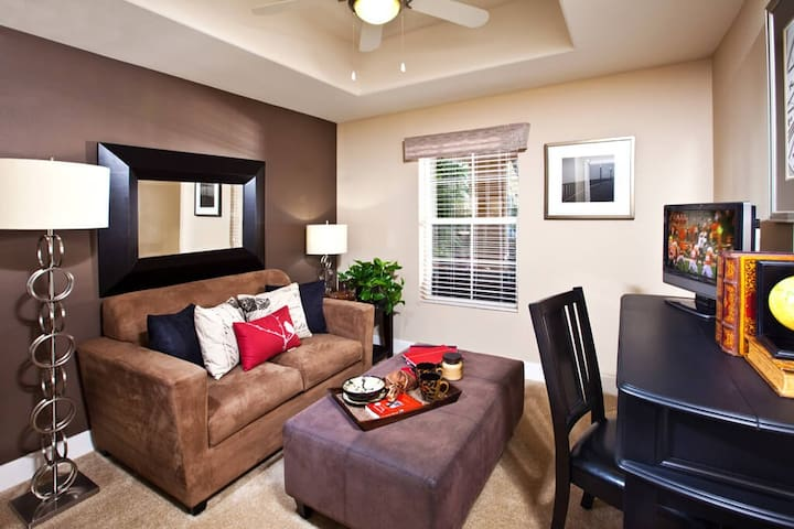 Live + Work + Stay + Easy | 3BR in Santa Maria