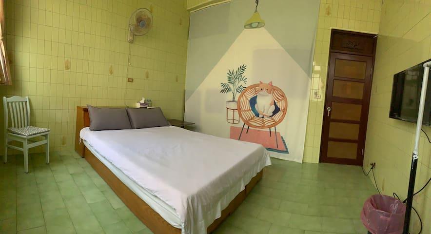 舒適乾淨雙人房 地理位置方便 Cheap n nice double room