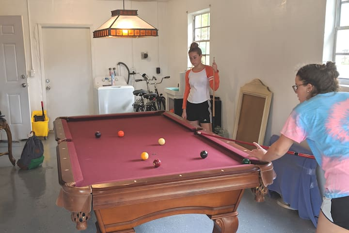 Perfect 3 bed Okeechobee w/pool table & fire pit