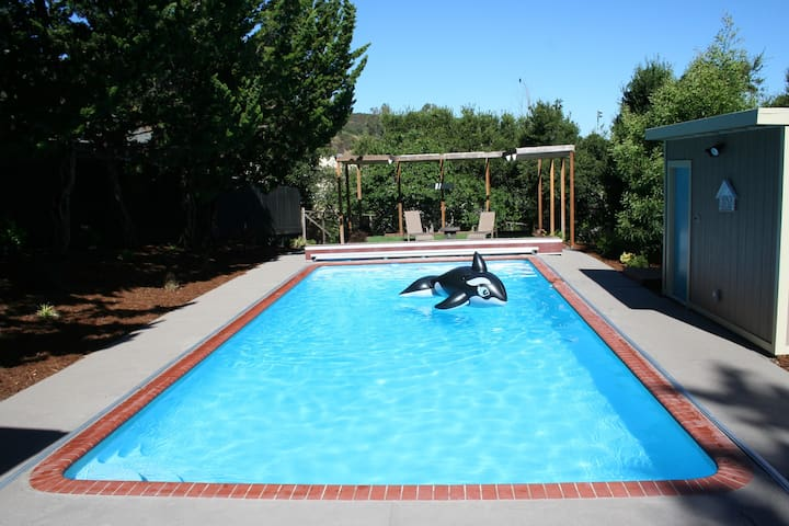 Silicon Valley Guest House with Pool