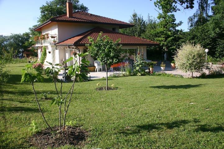 Anthy-sur-Léman的民宿