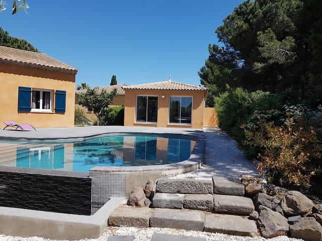 studio  indépendant avec piscine ,  proche  plage