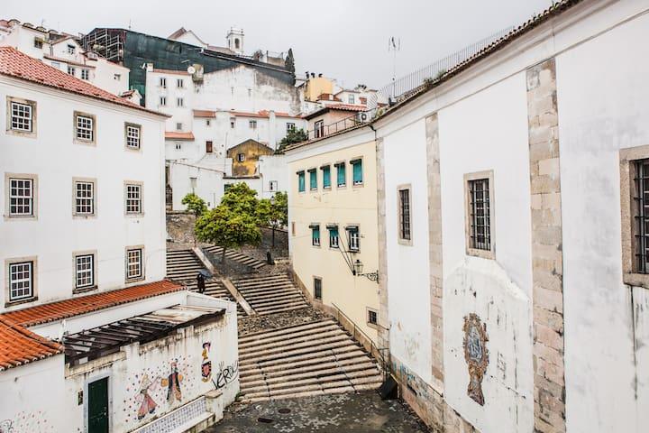 Stay Like Us in Alfama 2, Lisboa