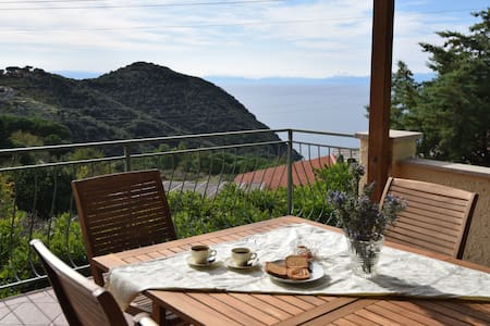 Holiday home with breathtaking sea views - Apartment Il Cisto