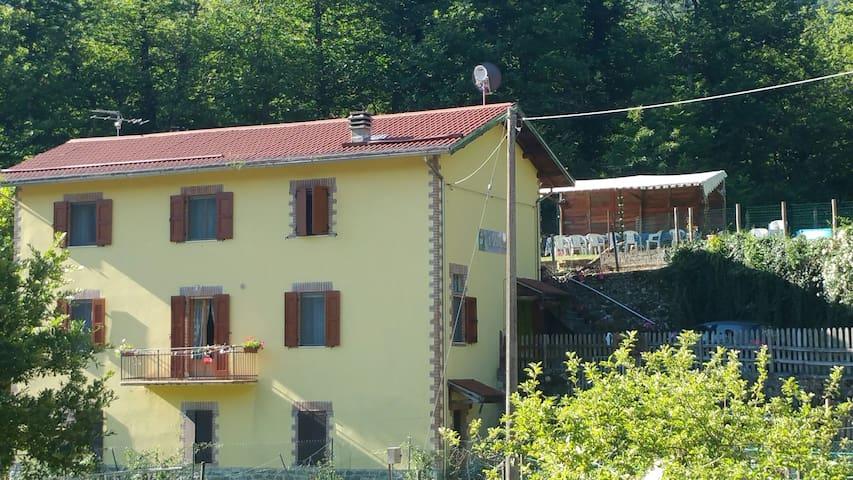 Monchio delle Corti的民宿