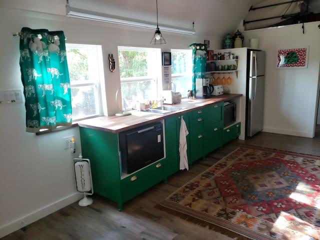 The Emerald Cottage: Restful Retreat, Mountain Gem