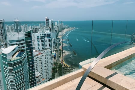 Luxury APT In Front of the Beach Walk to OLD  CITY