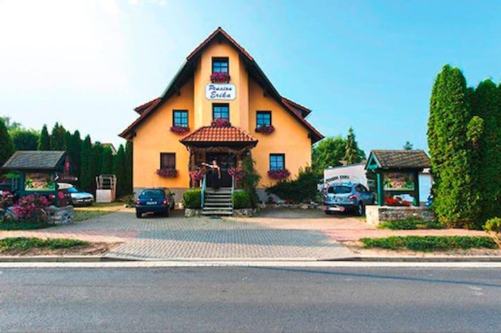 Mühlhausen OT Görmar的民宿