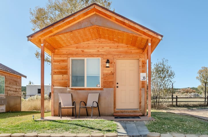 Private Cabin Between Bryce and Zion
