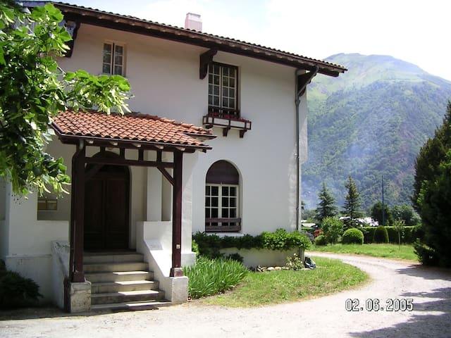 Appartement dans villa basque