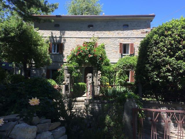 San Donato的民宿