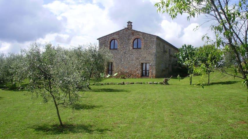 Fungaia, Monteriggioni的民宿