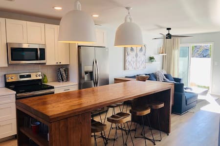 Beach Modern Living Completely Remodeled Townhome