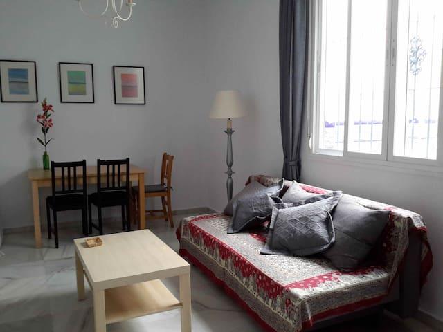 Apartamento en casa con cocina compartida