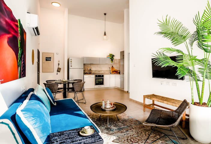 Amazing 2BR Boutique Apartment with Terrace
