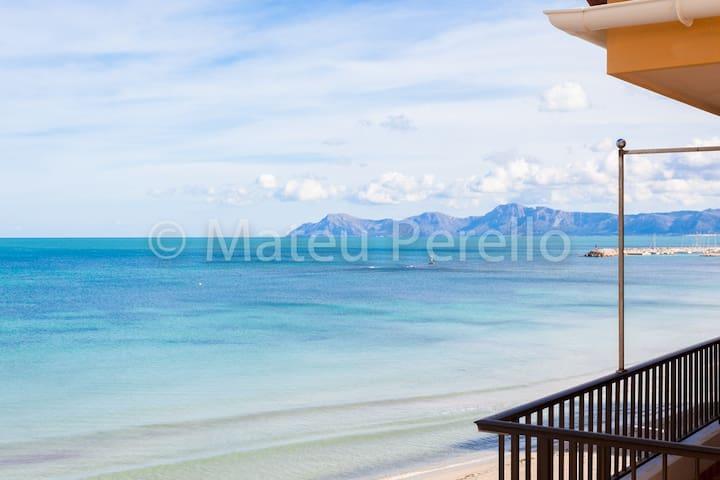 Beachfront Apartment with views B