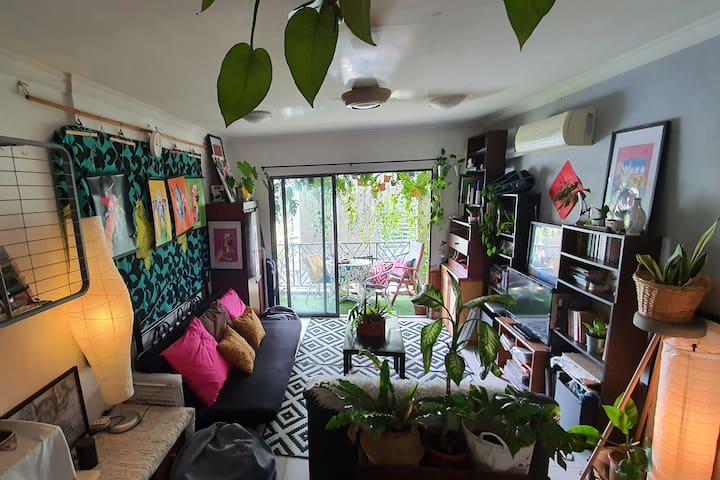 Single Room @ Bangsar Artsy Apartment Kuala Lumpur