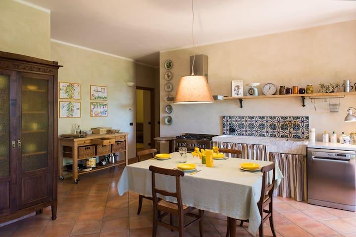 San Maurizio的民宿