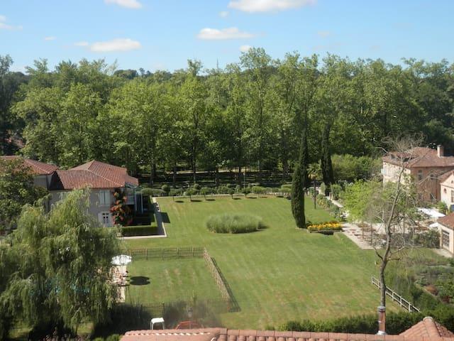 Eugénie-les-Bains的民宿