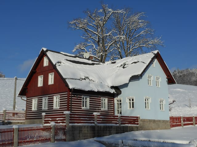 Janov nad Nisou的民宿