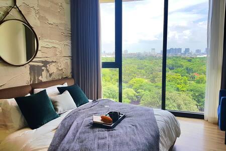 """2 BR """"Stunning view"""" Luxury room -3 months minimum"""