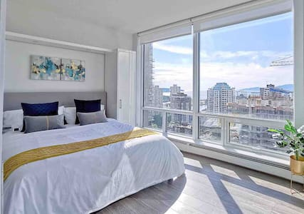 270 degree ocean view Condo in Downtown Vancouver