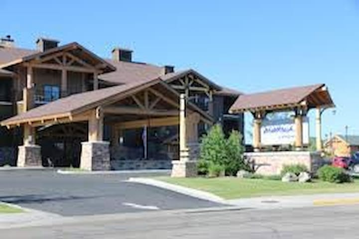 Aug 14-16/2 Bed Condo-West Yellowstone -Worldmark