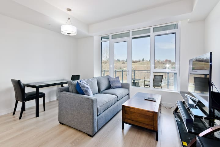 Parkside West 208 2 Bed 2 Bath Condo on the River!
