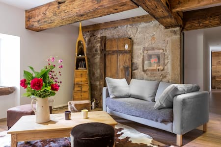Renovated farm with tast, boldness and passion