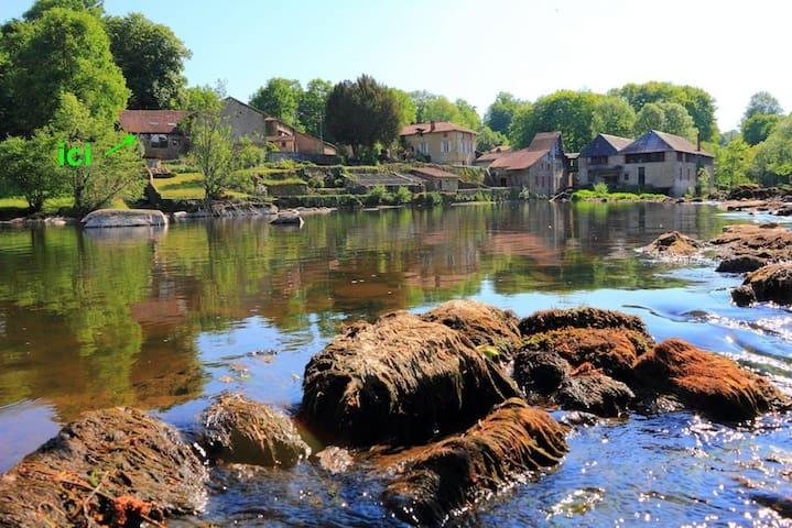 Saint-Priest-sous-Aixe的民宿